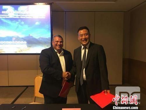 中国侨网山西省旅发委与里约州旅游厅签署了交流合作备忘录,两地旅游社也签订了合作协议。山西省旅发委供图